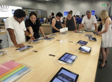 A leaked document from Best Buy apparently indicates that Apple will be installing new displays on the morning of October 21 - potentially those of the iPhone 5.