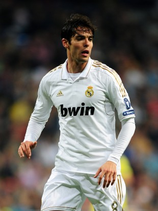 Kaka is the first sportsperson to top ten million followers.