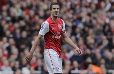 Van Persie claims Football Writers' award ahead of Rooney and Scholes