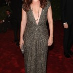 Debra Messing is back on our screens in Smash (yay!) and back on the red carpet in Kaufmanfranco.