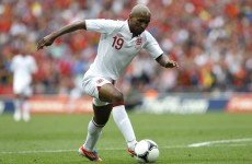 Defoe leaves England squad following father's death