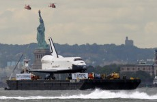 VIDEO: Retired space shuttle journeys along Hudson River