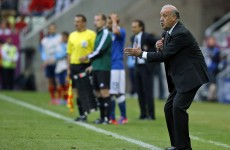 Forward-thinking Del Bosque defends Fabregas role
