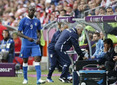 Balotelli is taken off last night.