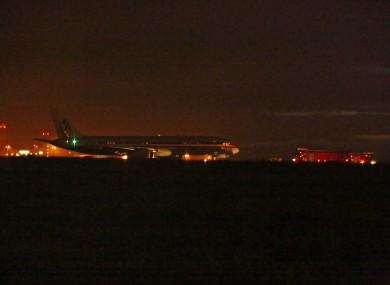 The American Airlines plane on the runway at Dublin Airport last night