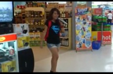 VIDEO: I will always love you, random Karaoke singing girl