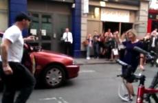 taxista bailando Get lucky de Daft Punk